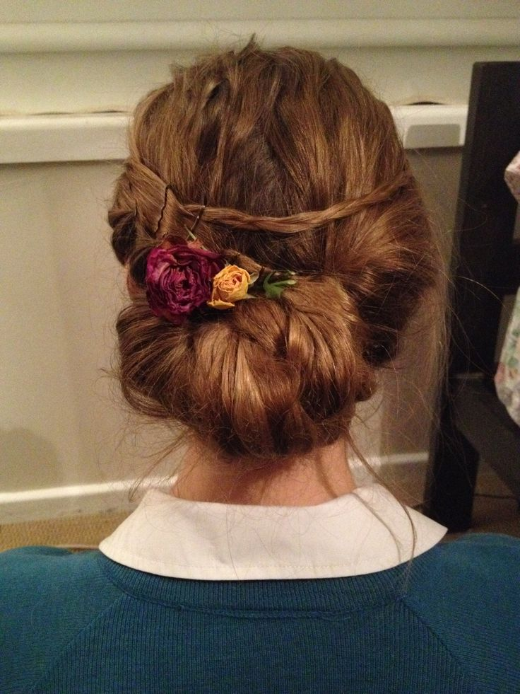 Flower chignon with plaits