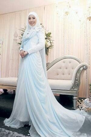 Muslim and wedding on pinterest for Wedding dress malaysia online