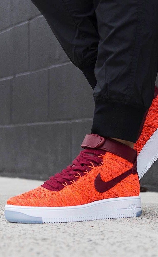 Nike Air Force 1 Flyknit: Red