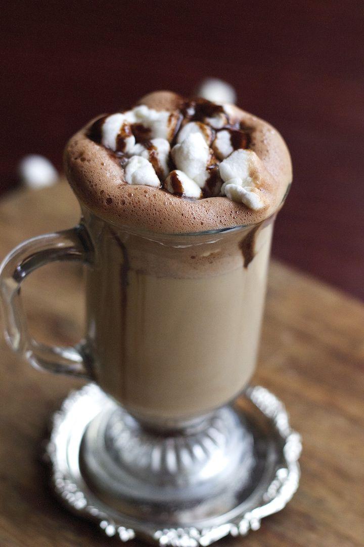 Nutella Latte, Nutella Coffee Recipe, nutella and coffe, nutella with coffee, starbucks latte, latte, hot latte, latte at home, hot coffee, homemade latte,winter recipes | Feed Your Temptations