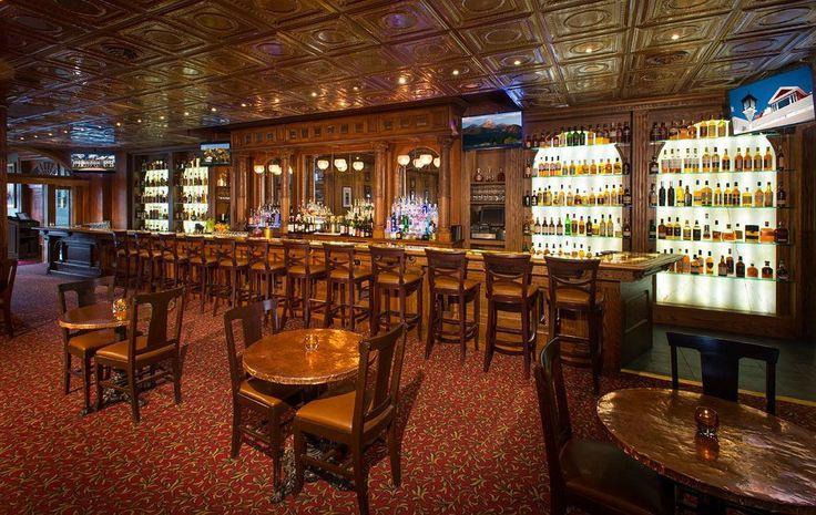 Hotel Stanley, en Estes Park (Colorado) fue el hotel de El resplandor. Cuentan que hay varios fantasmas, especialmente en la habitación 418. Se puede oír a la mujer del primer dueño tocando el piano, niños riendo...