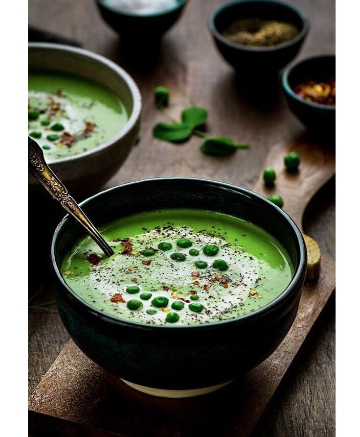 Soupe aux petits pois et à l'ail rôti - 12 recettes de soupes santé