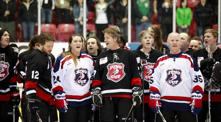 Both teams sang the national anthem prior to the start of the Juno Cup.   CARAS/iPhoto