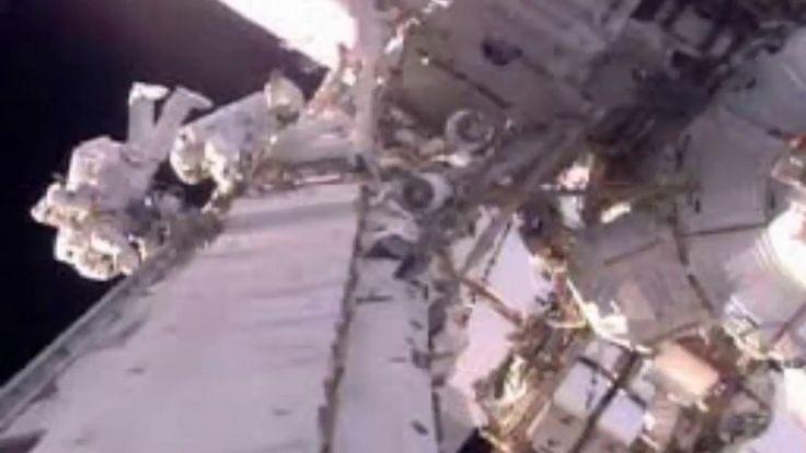 Astronautas de Francia y EEUU inician caminata espacial