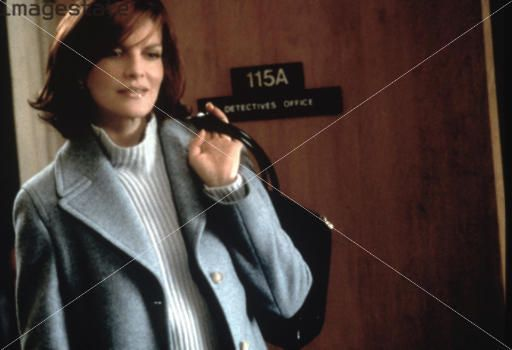 rene russo hair color in thomas crown affair | Rene Russo in The Thomas Crown Affair a remake but she looks ...