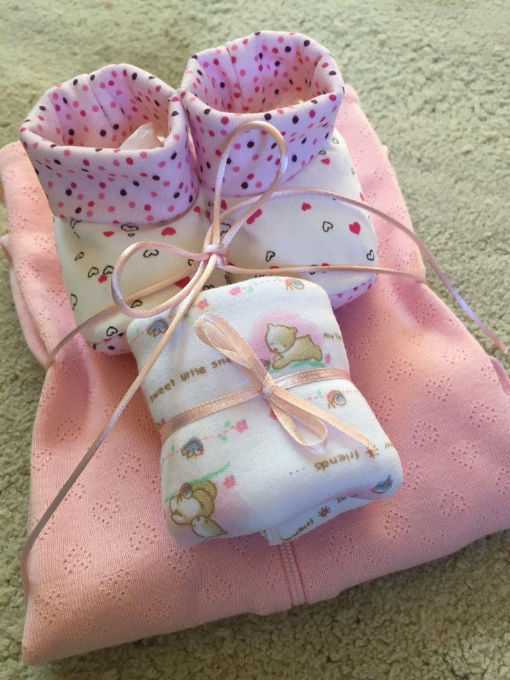 Set 2: enterito marca carters + botines + tuto 100% algodón.  Varios colores para niñita y niñito.