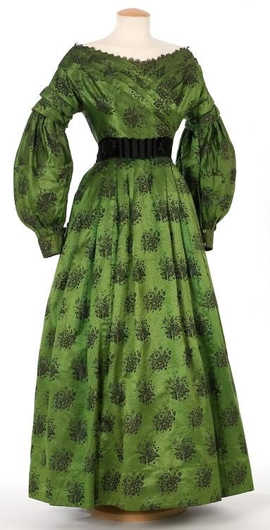Dress 1830s