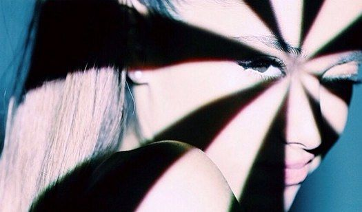 "Ariana Grande's ""Problem"" music video arrives at Midnight!"
