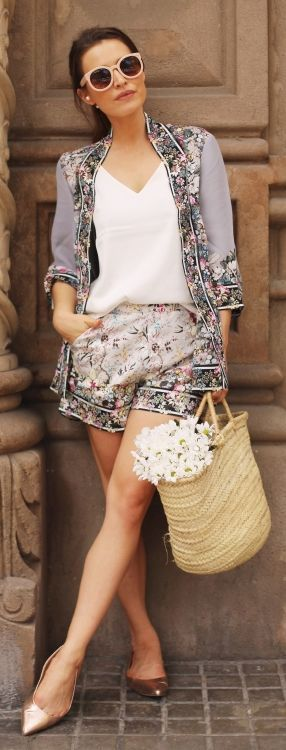 Frassy Vintage Floral Set Shopping Girly Outfit Idea