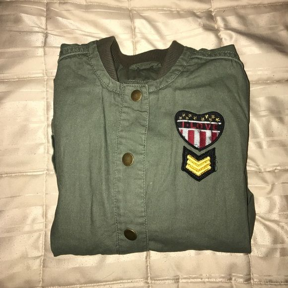 Bethany Mota Green Army Jacket! FINAL SALE Super Cute army jacket by Bethany Motas Aeropostale collection! I think this came out in her Spring 2015 collection but I may be wrong! perfect condition! FINAL SALE TAKING ALL OFFERS! Aeropostale Jackets & Coats Utility Jackets
