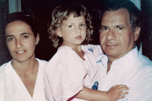 """Emmanuelle Galabru - """"Papa ne trichait jamais"""" Check more at http://people.webissimo.biz/emmanuelle-galabru-papa-ne-trichait-jamais/"""