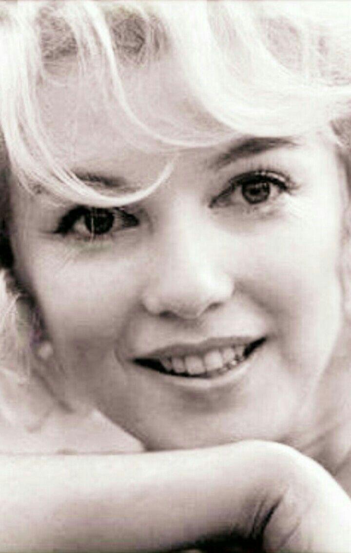 Marilyn Monroe memorbilia Photo without makeup #Marilynmonroe