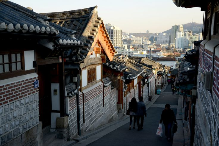 "https://flic.kr/p/r9x9Su | ""Bukchon Hanok Village"" in Seoul, South Korea"