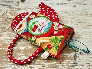Adorable cooking mitt design & more.