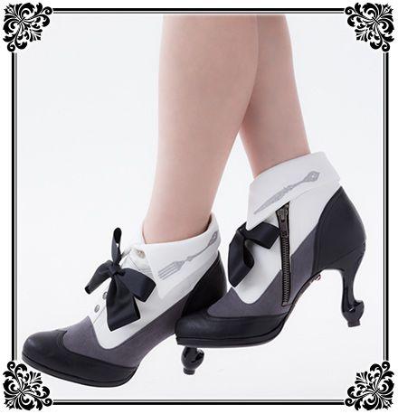 Erimaki Sox (white) with Black Butler Book of Circus Shoes // 黒執事のパンプス・ブーティの靴コラボ!エリマキソックスの靴下も