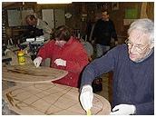 Joost van Geest, mijn vader bouwde een boot hier samen met Cees van Geest...Cursus -Bouw zelf een houten boot- van ervaren botenbouwer Linnartz-Adema Houten Botenbouw