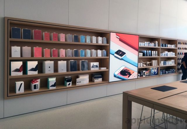 'Next-generation' Apple Store opens in Memphis with custom 37-foot display