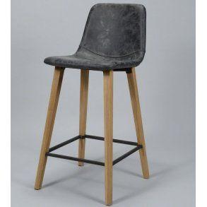 Barstol i træ og sort læder.
