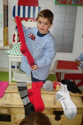 verschillende sokken van kort naar lang leggen.