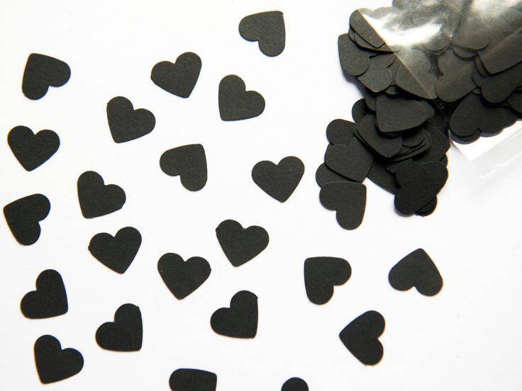 300 hart vormige confetti gemaakt van een zwarte kaart (180 g/m²), 1,5 cm groot. Deze hart-koriander zijn groot voor het verfraaien van uw huis of voor speciale gelegenheden, maar ook voor kleine banen van scrapbooking, of voor het decoreren van uw evenement met een vleugje elegant zwart. U kunt de confetti ook uw bruiloft speciaal en uniek te maken: deze gebruiken om de plaats van de ceremonie versieren of strooi ze op de tafel van de bruid en bruidegom voor een bioscoop effect en zeer…