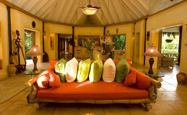 カリブ海を望む、隠れ家のような大人のリゾートホテル