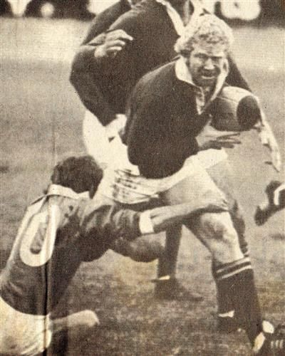 Gawie Visagie here playing for the Springboks during the 1981 Springbok tour to New Zealand. Visagie played for Natal in the 1984 Currie Cup final and slotted a dropgaol in the first 10 minutes of the game -if my memory serves me correct- to give Natal an early lead.