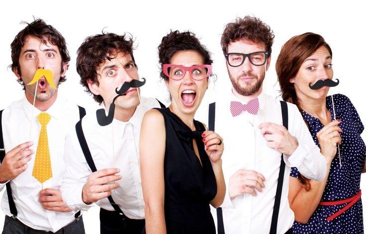 Come realizzare foto divertenti con gli accessori Photo Booth http://www.design-miss.com/come-realizzare-foto-divertenti-con-gli-accessori-photo-booth/ Piccole #maschere con #cravatte, #occhiali, #barbe e #cappelli per realizzare #foto divertenti con i vostri #amici.