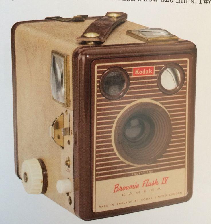 Brownie Flash IV (1957)