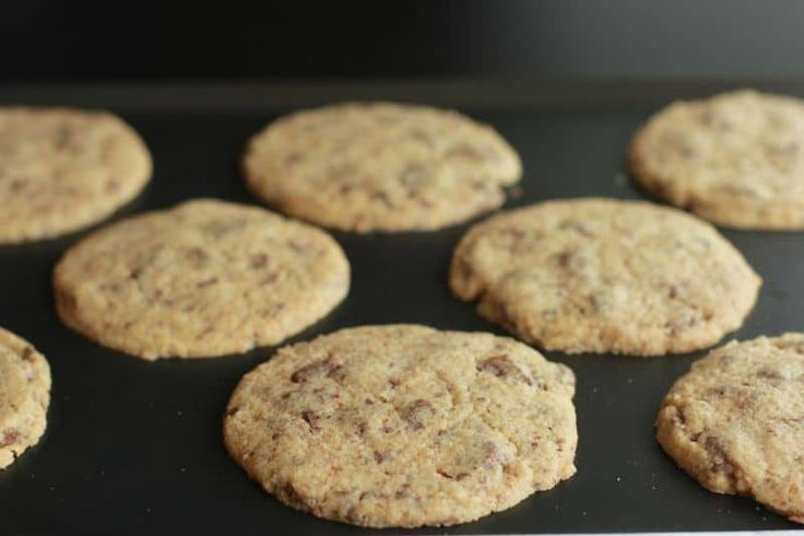 Une recette inratable de Cookies Thermomix façon Laura Todd sur Yummix • excellent