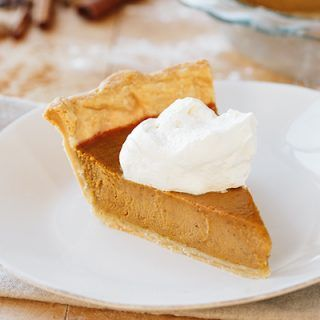 The Perfect Pumpkin Pie | thecozyapron.com