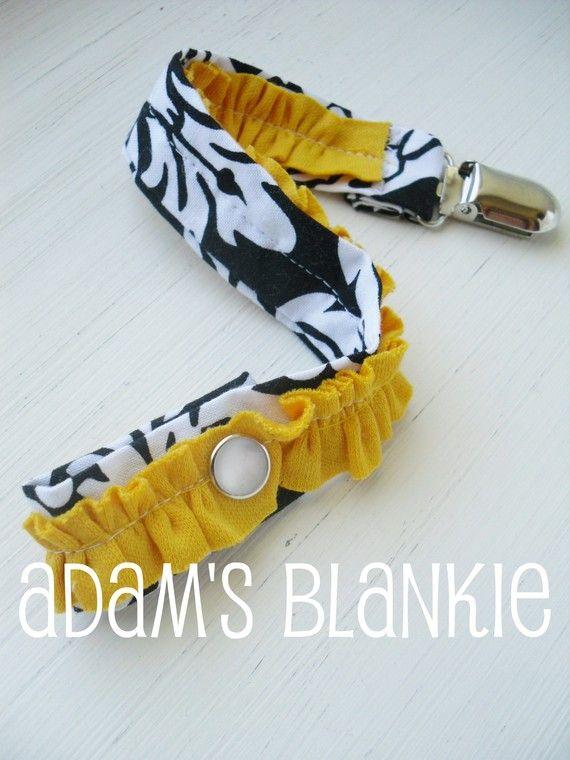 damask binkie clip.: Diy'S Baby, Binki Clips, Ruffles Pacifiers, Sewing Idea, Damasks Binkie, Ruffles Dummi, Delov Damasks, Sewing Knitting Crochet, Flats Ruffles
