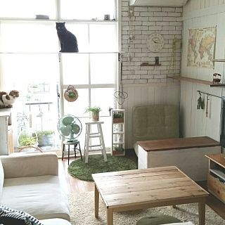 こたつ天板 DIYのインテリア実例 | RoomClip (ルームクリップ) Lounge/窓枠DIY/棚DIY/板壁DIY/ねこ部/ベニヤ板