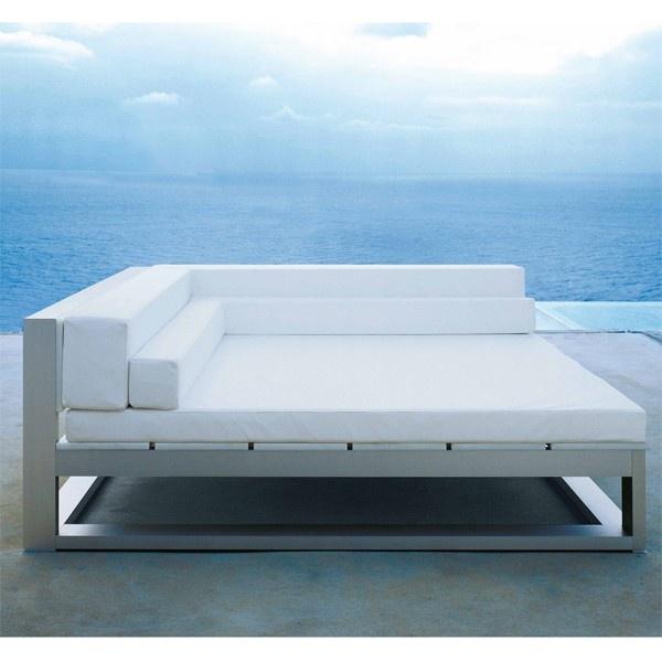 sof na xemena de exterior fabricado por gandia blasco ideal para
