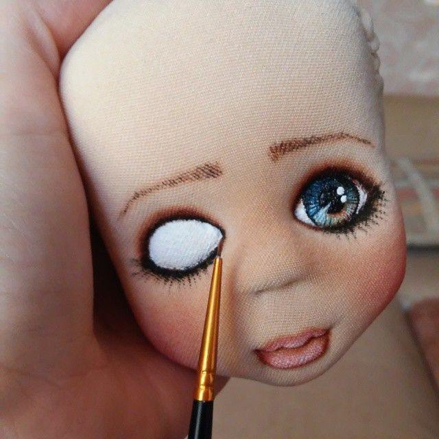 Рисуем глазки.Вдыхаем душу...#процесс #росписьлица #хобби #хендмейд #кукларучнойработы #кукла #рабочийстол #глаза #точтоялюблю #doll #artdoll #mysolutionforlive