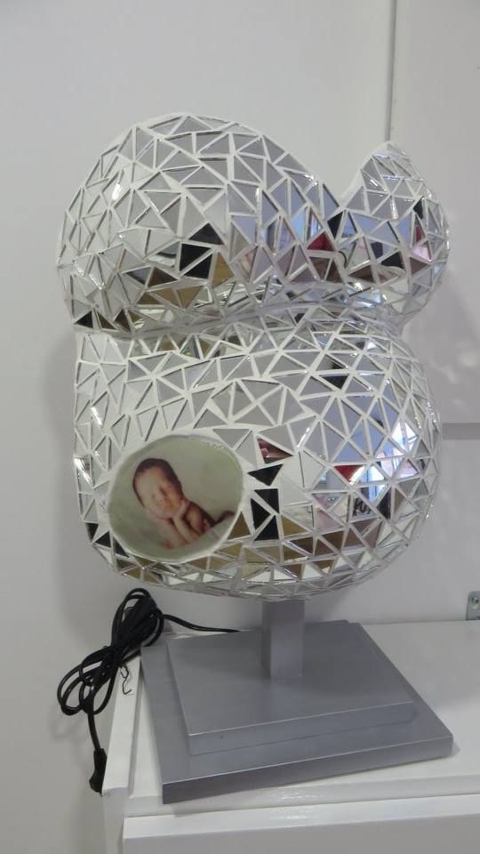 Belly Cast covered with mirrors in the form of triangles and baby photo application, on bedside table lamp stand, hand painted in silver! Ref. BARRG27