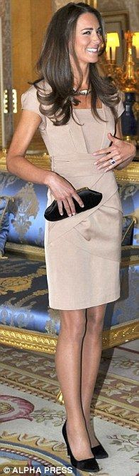 Kate Middleton in Beige Shola shift dress, Reiss, LK Bennett shoes, Anya Hindmarch clutch bag -- meeting the Obamas in May