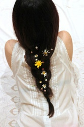 braids: Daisies Chains, Summer Hair, Flowers Braids, Festivals Hair, Flowers Hair, Flowers Power, Hair Style, Summer Braids, Lazy Summer Day