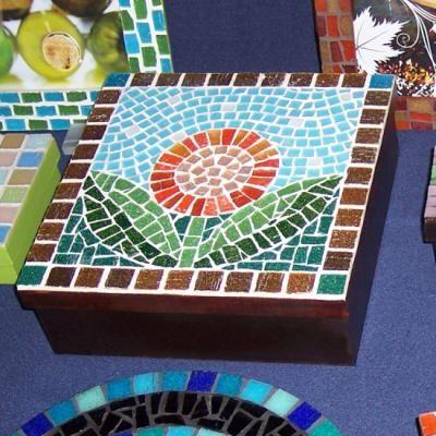 caja para té caja con divisiones teselas vitrias,madera, mosaico,mosaiquismo