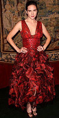 Jennifer Connelly in Oscar de la Renta