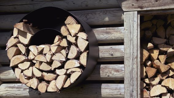 Lehtorinne Wood Rack takkapuuteline, valkoinen - Designbox