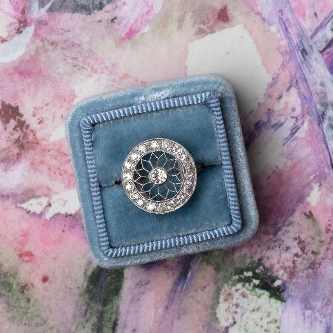 Gorgeous Edwardian engagement ring. Those details!! <3