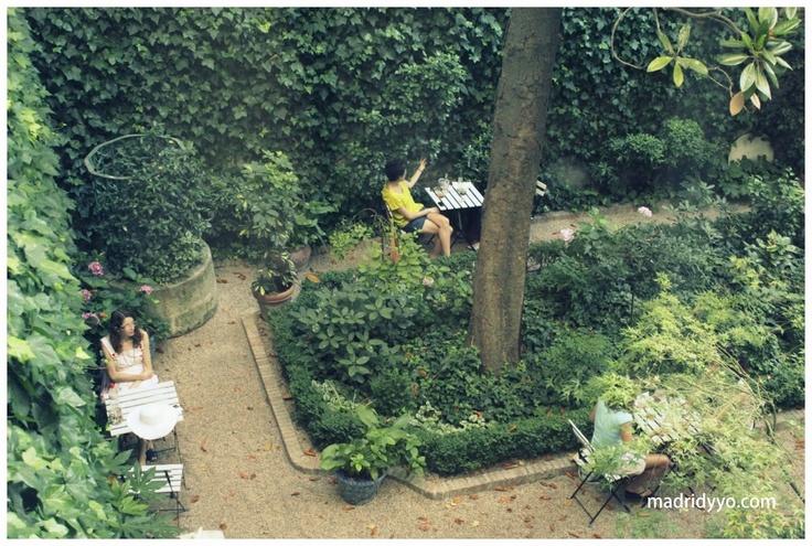 Caf del jard n museo del romanticismo san mateo 13 for Cafe el jardin madrid