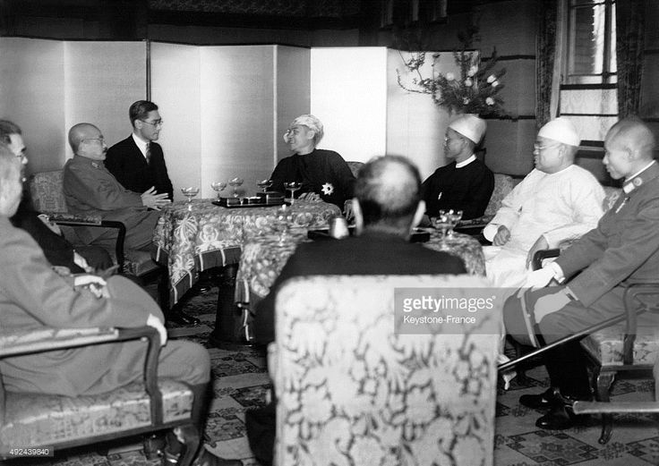 The Japanese Prime Minister, General Hideki Tojo discussing with the head of state of Burma, Ba Maw and members of his government on March 22, 1943 in Tokyo, Japan.