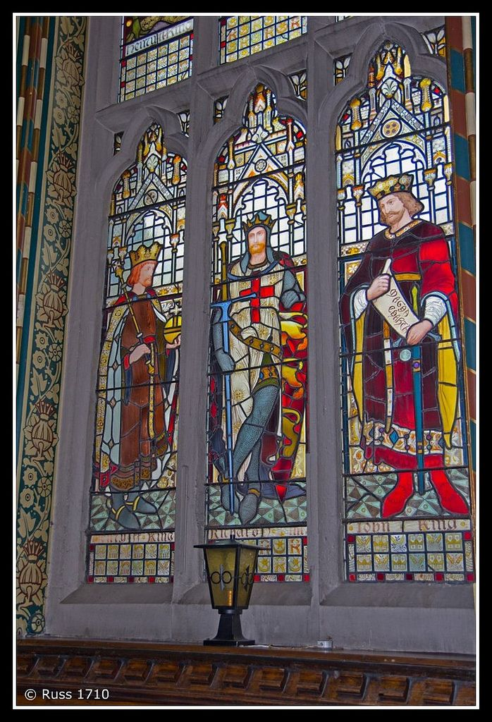 https://flic.kr/p/ametSz | Rochdale Town Hall - Stained Glass | Rochdale Town Hall has some wonderful stained glass - these panels are are situated in the Great Hall and depict previous British Monarchs, central in this one is Richard the Lionheart.