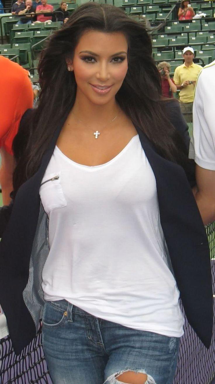 http://forum.purseblog.com/celebrity-news-and-gossip/the-kim-kardashian-thread-563514-168.html