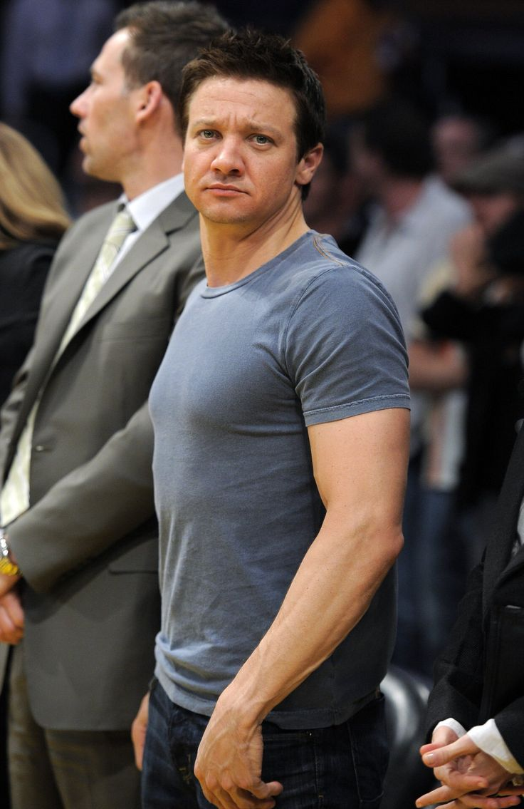 1000+ ideas about Jeremy Renner on Pinterest | Soccer Aid ...
