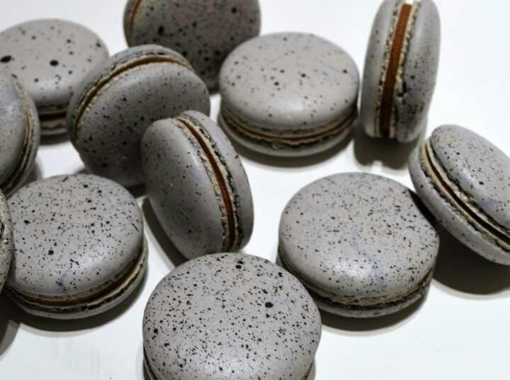 pebbles macarons