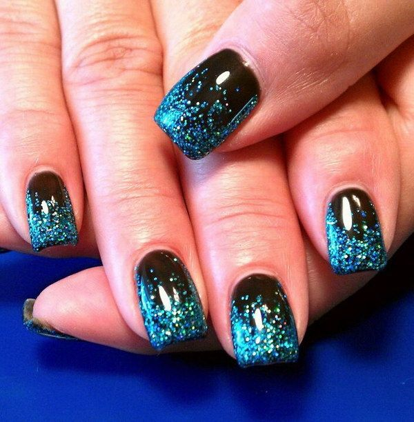 Black Base Gel with Custom Blue Glitter Fade Nail Design.