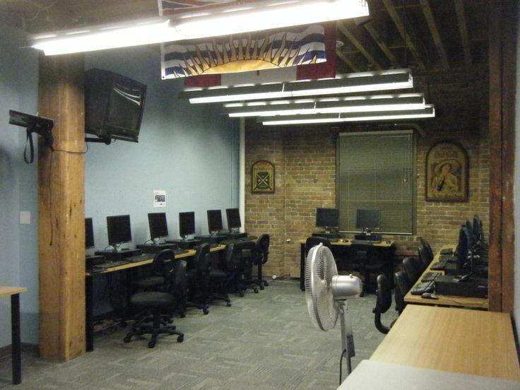コンピューター室です。授業以外でも、生徒が自由に使用することができます。SELCの詳しい情報はこちらから☆http://www.vc-ryugaku.com/school/lang/s50.html