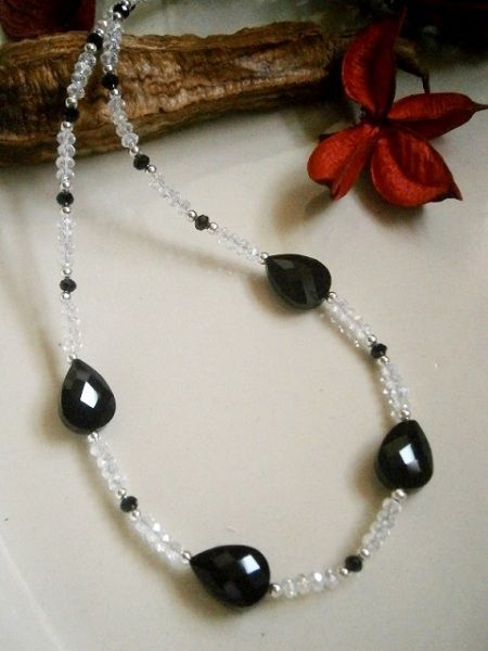 "21"" CLEAR  & BLACK CRYSTAL BEADED NECKLACE  £ 10.00http://creative-connections.ning.com/photo/black-crystal-black-beaded-necklace?context=album&albumId=3872179%3AAlbum%3A361057#.Uou9zDtFDrc"